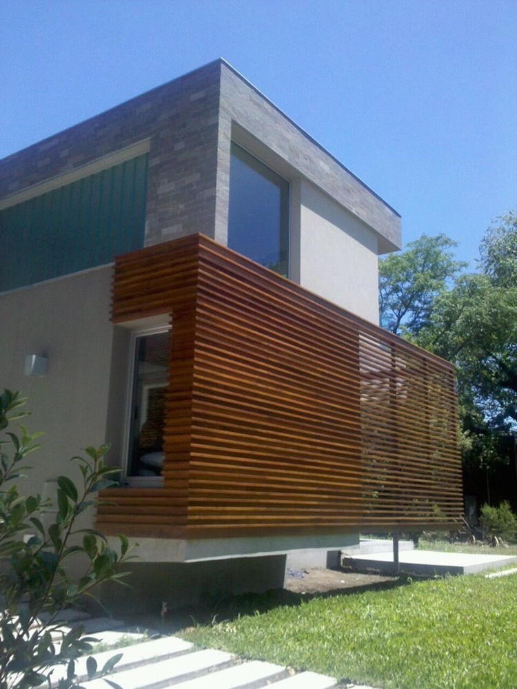 Kisi Kisi Kayu, Melindungi dan Memperindah Fasad Rumah